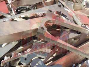 Chatarra de titanio en chatarrería