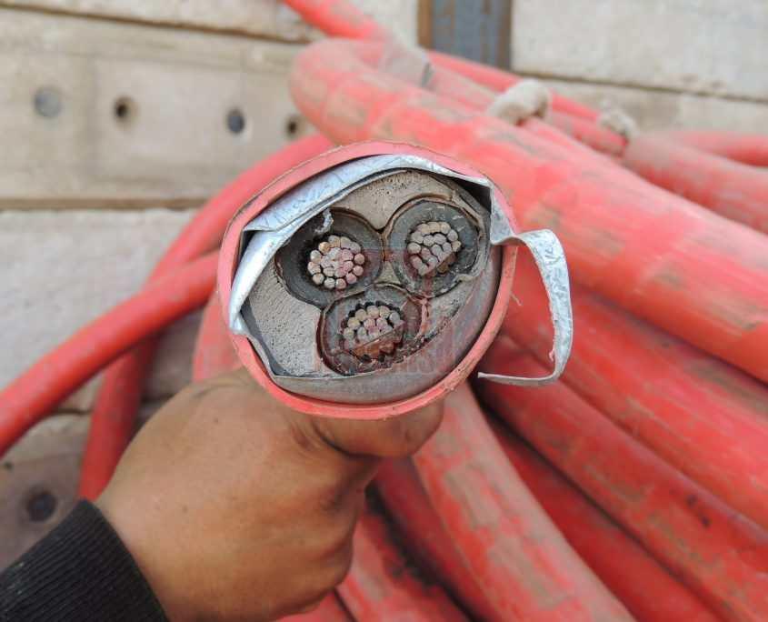 Cable de cable con pantalla de hierro para su reciclado